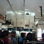 Autobús recién pintadito