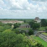 Vistas generales de Uxmal desde La Gran Pirámide