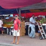 Mercado de frutas en la Capital
