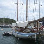 Un velero clásico preparado para la Antigua Sailing Week