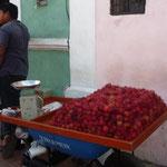 El rampután, fruta oriunda que se vende por todas partes