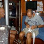 John ayudándonos con el trenzado de amarras