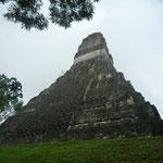 La Pirámide 1 en la Gran Plaza, de 45 m de altura