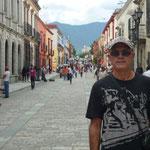 Andador turístico Macedonio Alcalá