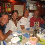 Con dos tabernarios cenando en el Bahía