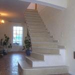 Escalier en pierre sur Voûte Sarrasine en Thala.