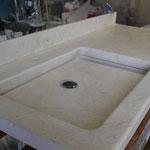 Plan vasque en Moléanos, 5 + 5 cm.