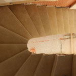 Escalier sur Voûte Sarrasine en Thala. Montage des marches sans débord.