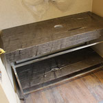 Plan pour vasque à poser en Brown Silk, coupe d'onglet en livre ouvert, épaisseur 2 cm.