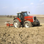 Massey Ferguson 8160 (Classic Tractor Magazine)