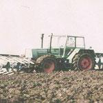 Fendt 614 LS Pflügen Front und Heck Quelle: Classic Tractor Magazine