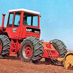 MF 1800 Traktor