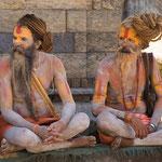 2 Sadhu in Indien vor Mavera