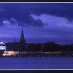 Kieler Rathaus bei Nacht