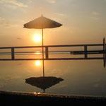 Sonnenuntergang in Samui am Pool eines Freundes