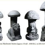 Rauschpilze als Statuen aus alten Kulturen