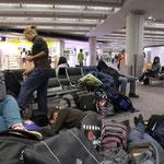 Nach 11 Stunden Flug in Hongkong angekommen