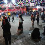 Tanzkreis am Abend