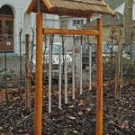 Klangspiel mit Reetdach - Luisengärtchen in Bonn Godesberg