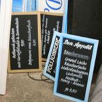 Ladenverkleidung und Schilder
