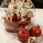 Granatapfel mit Orchidee