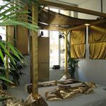 Goldene Lounge für Das Vierte