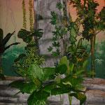 Styroporsteine mit Kunstbepflanzung