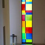 Glasarbeit aus Opalglas mit Sandstrahlung, 2015 Privathaus Großostheim/Bayern; Ausführung Derix-Glasstudios, Taunusstein