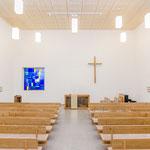 Altarfenster im Neubau der Neuapostolischen Kirche Regensburg, Architektin: Michaela Kretschmer, Architekten der NAK Süddeuschland, Stuttgart; Foto: Ralf Schkutow©2018