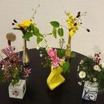 成月流の新しい「小さい花」 植物20センチ四方の作品です