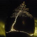 Fratrie : lampe photophore étain  motifs arbres