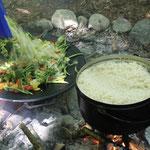 Kochen über dem Feuer: Alles ist möglich... Gesundes...
