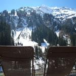 Blick auf den Hochberg von der Terrasse des Bergchalet Edelweiß