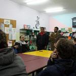 Gespräche im Flüchtlingscamp