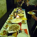 gemütliche Tischrunden, das herrliche Dessertbuffet