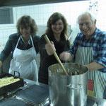 Das Kochteam: vlnr: Pia Dongiovanni, Beata Balaghova, Bernhard Prétôt