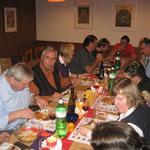 rund 35 Teilnehmer genossen das feine Abendessen