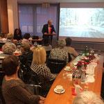 Vorweihnachtliche Veranstaltung in der Sparkassenzentrale (Foto: Hans Pfaff)