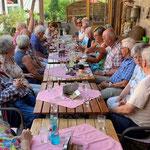 """Treffen der Sparkassen-Senioren im Café """"Schönemühle"""" (Foto: Hans Pfaff)"""