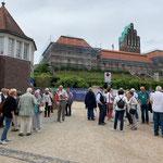 Geführte Besichtigung auf der Mathildenhöhe (Foto: Hans Pfaff)