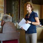 Heidemarie Wagner stellt die Sparkassen-Kinder-Betreuung vor (Foto: Hans Pfaff)
