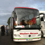 MPC2000-Männerchor auf der Fahrt nach Schwarzheide, Hotel Achat, C.u.G.Junaceck