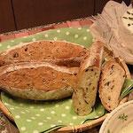 中種法で作るオリーブのパン