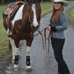 Anais Gasser mit ihrer PH Stute Kelly.