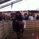 Jasmin Hager mit dem Pferd vom Thomas Gerber. an der Pferde BEA.