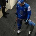 Nikolai Antropov (ehemals Toronto Maple Leafs) auf dem Weg in die Kabine