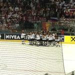Nach dem Spiel jubelten die Deutschen...