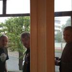 Unsere Raucherfraktion bei einer Ihrer letzten Kippen in Minsk