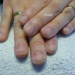 Les ongles avant les extensions.