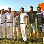 v.l.n.r: Cyril Vonlanthen, Florian, Trudi, Christian, Lionel und Damian Gnägi (Bild: Corinne Burren)